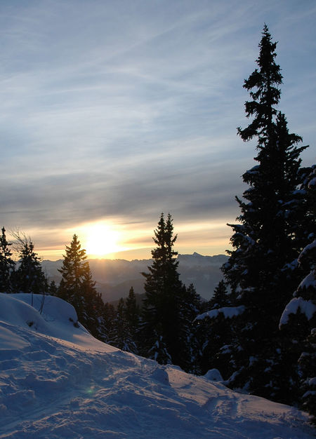 It's not Goncelin but Chamrousse !! Beautiful sunset Check This Out Cold Temperature Grenada Grenoble Season  Snow Walking Winter