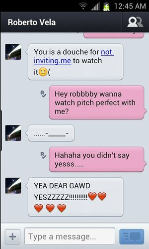 Omg my screen sucks *rolls eyes* but mine & robbbbys convos d; >