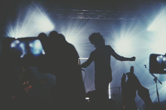 Matty Healy The 1975  Silhouette Concert
