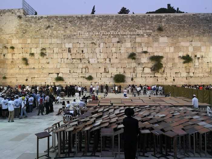 Western Wall Kotel wailing Wall Jerusalem Western Wall Western Wall Of Jerusalem Kotel Wailing Wall Israel Orthodox Jews Orthodox Judaism Orthodox Jewish Rabbi King - Royal Person Ancient Civilization Ancient Old Ruin History Men Place Of Worship Sky Architecture Ancient History Civilization Visiting Archaeology Historic The Past Temple Historic Building Christianity Castle Fort Fortress