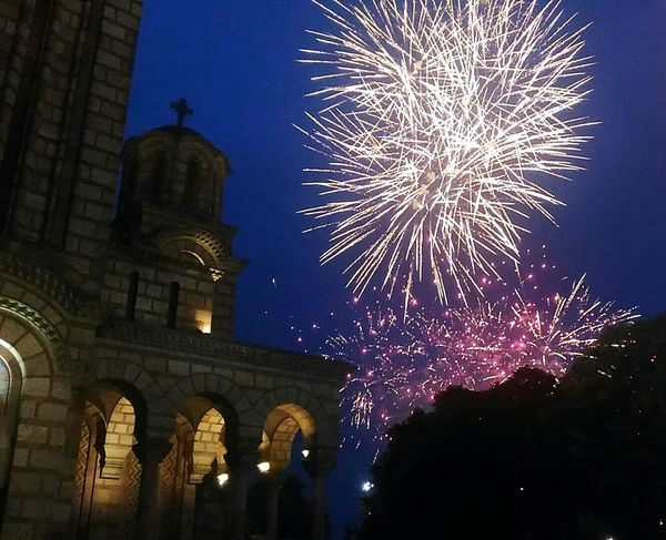 Before concert ✌ Fireworks Curch Awesome Fireworks In The Sky EyeEm Gallery EyeEm Best Shots Eyeemphotography Eyeem Fireworks Eyeem Night Night Follow4follow Followforfollow Followback