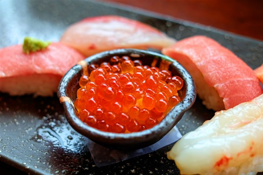 Food Food And Drink Food And Sweets Freshness Japanese Food Japanese Sushi Japanese Sweets Salmon Egg Salmon Eggs Sashimi  Sushi Sushi Time Sushi! Yummy