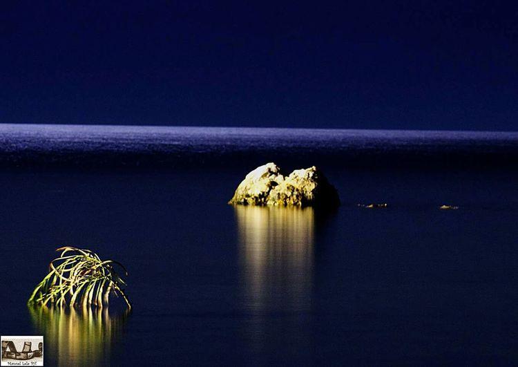 The sea in the night Hello World