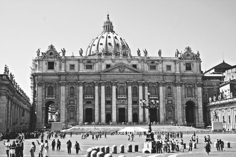 St.Peter's Basilica (Vatican City, Vatican) Stpeter Basilica Cathedral Church Faith Religion Catholic Rome Italy Roma Italia Vatican VaticanCity Photography Travel Travelphotography Blackandwhite EyeEm Best Shots Eye4photography  EyeEm Gallery Black & White Monuments Landmark Sightseeing