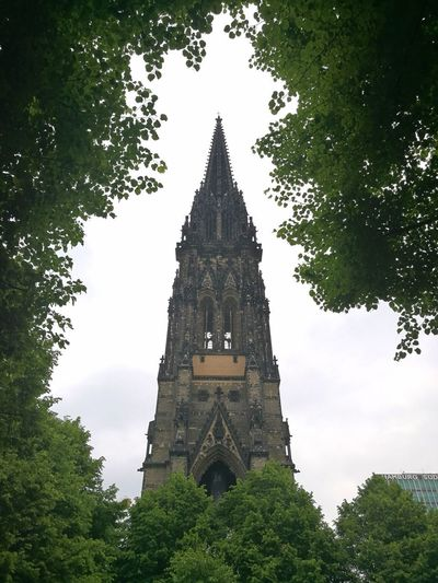 Church Church Architecture Church Tower Church Buildings Hamburg Hamburgmeineperle Day Tranquility Tranquil Vintage Building No People City Tree Clock Face Clock History Architecture Sky Built Structure Green Color Tall - High Clock Tower