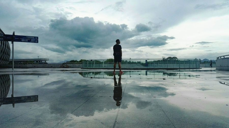 Reflection Cloud - Sky Water Shenzhen.China That's Me! Reflection One Person EyeEmNewHere Breathing Space