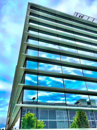 """Corner Office Reflections"" Gorgeous glass architecture at John Muir Medical Center reflecting clouds, sky and adjacent buildings. Corneroffice Architecture_collection Architecture Glassreflections Glassarchitecture Glass Urban Sky"