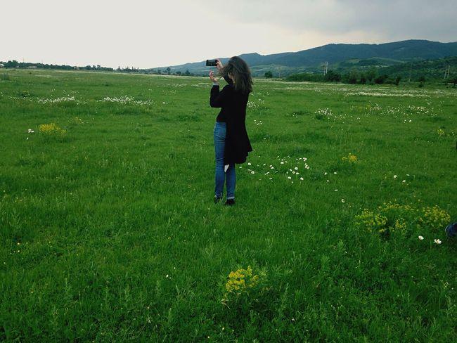Selfie ✌ Selfies Myfriend♥ Myfriend Walking Around Taking Pictures Field Fields Fieldsofgreen Goodday Green Memories Withmyfriend Lovethis Mountain Mountains Mountainspirit