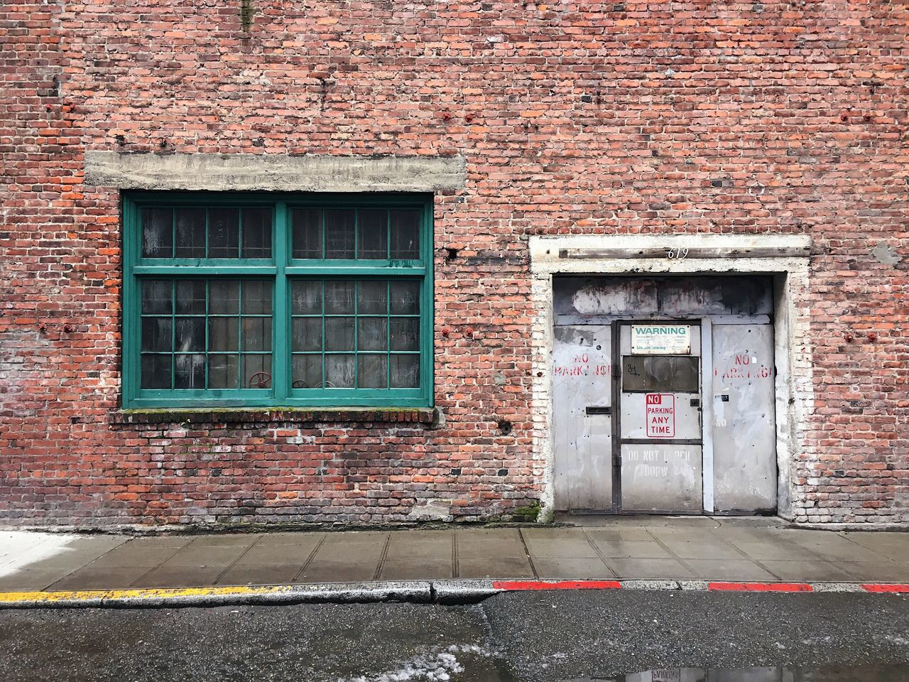 architecture, window, building exterior, built structure, door, day, outdoors, no people, exterior