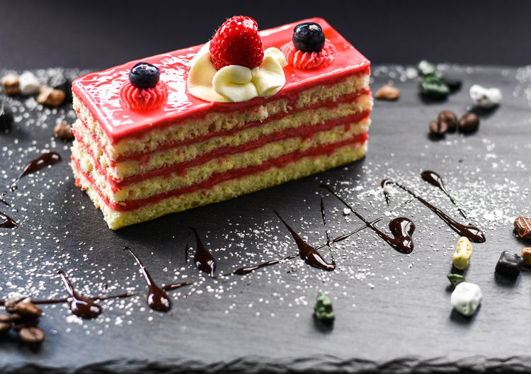 Nikon Nikonphotography Food And Drink Macro Photography Raspberries Berry Fruit Cafe Cake Close-up Dessert Food Foodphotography Freshness Fruit Macro_collection Ready-to-eat Still Life Sweet Food
