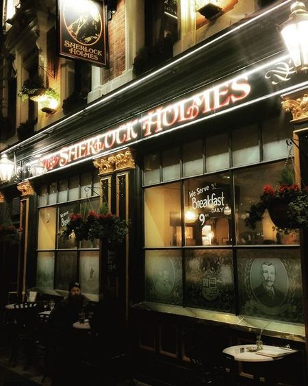 Solving mysteries 😎 London Sherlockholmes Mysterious Pubsoflondon Travel Discover  Holiday Drinksup