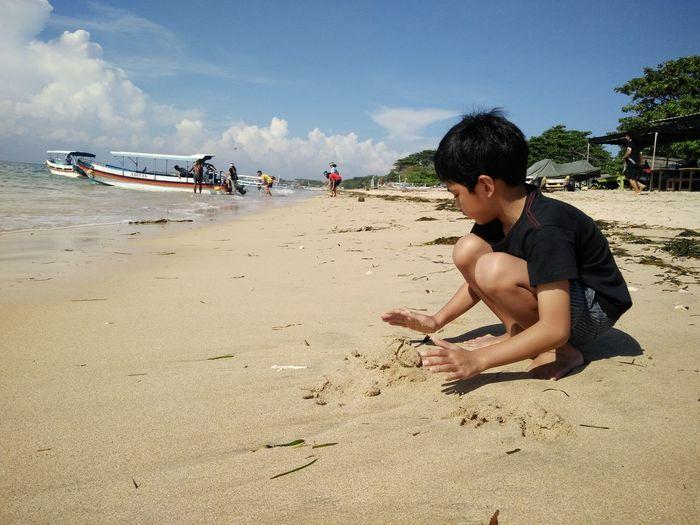 Beach Casual Clothing Day Enjoyment Full Length Fun Leisure Activity Lifestyles Outdoors Sand Sea Shore Sky Summer Sunlight Vacations Nusadua Bali, Indonesia Tanjungbenoa