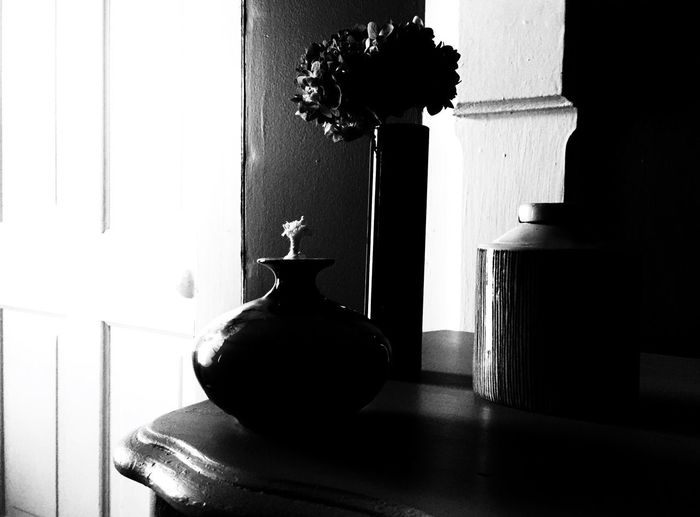 Black And White Friday Vase Indoors  Table Home Interior Flower Day Close-up Still Life Blackandwhite Black And White Black & White Oil Lamp EyeEm Best Shots The Week On EyeEm Be. Ready.