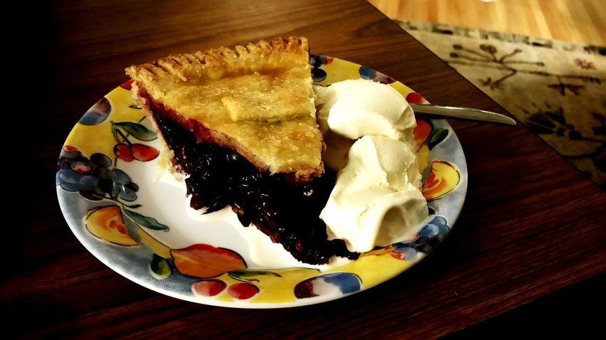 My World Of Food Cherry Pie Haagen Dazs Vanilla Ice Cream  Pie Perfection Dessert Yum! Food Porn Food Photography