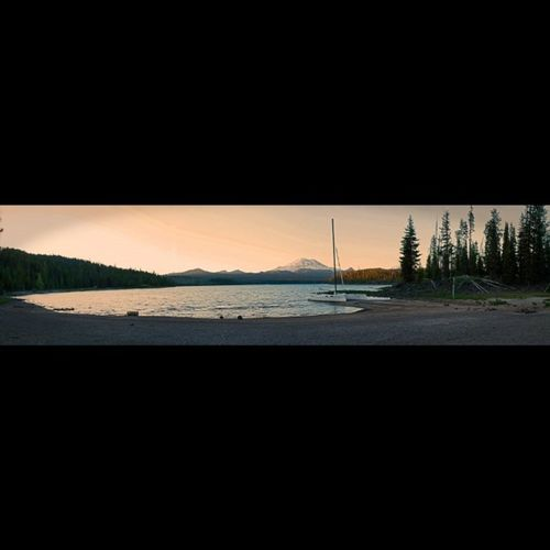 Panorama of Elk Lake, gorgeous sunset! Oregonexplored Picoftheday Instagood Greettheoutdoors Getoutdoors Theoutbound Exploregon Follow PNWonderland Westcoast_captures Thepnwlife Visitbend Bendlife Love New Me Canon_official Canon Southsisters Landscapes Boat Cascades Lake Wanderlust Centralotegon_igrs panorama panoramas