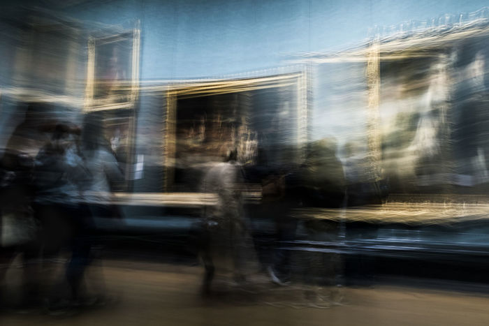 Bleue Blue Flou London Long Exposure Museuum Real People Speed