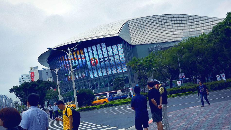 Taipei Arena EyeEm Taking Photos On The Streets Hello World Cityscapes Photos Around You Vintage Street People Of EyeEm