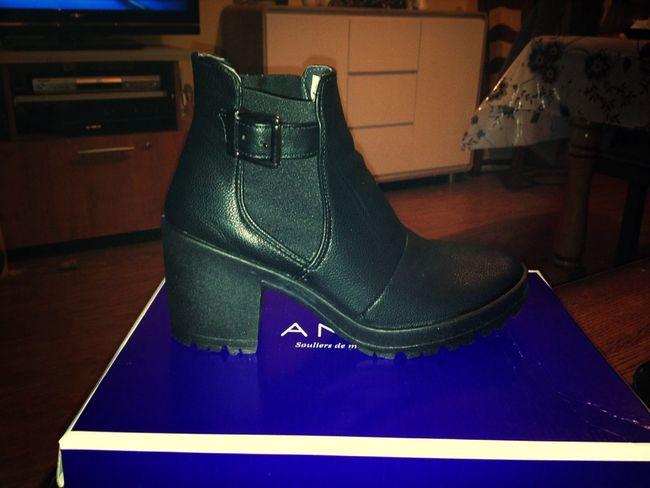 Mes nouveaux bb´s ?? Chaussures  Bottes Noir