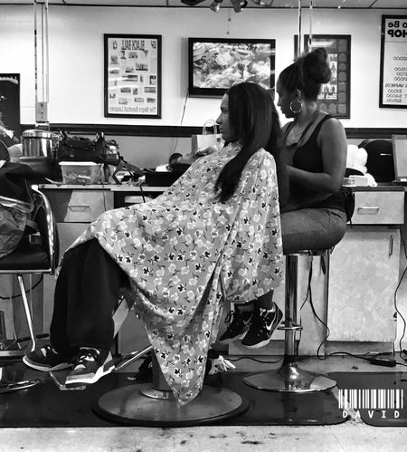A rare Sunday at the shop. Yep, they have women as well. Haircut Getting Fresh Barbershop Blackandwhite Black And White Monochrome