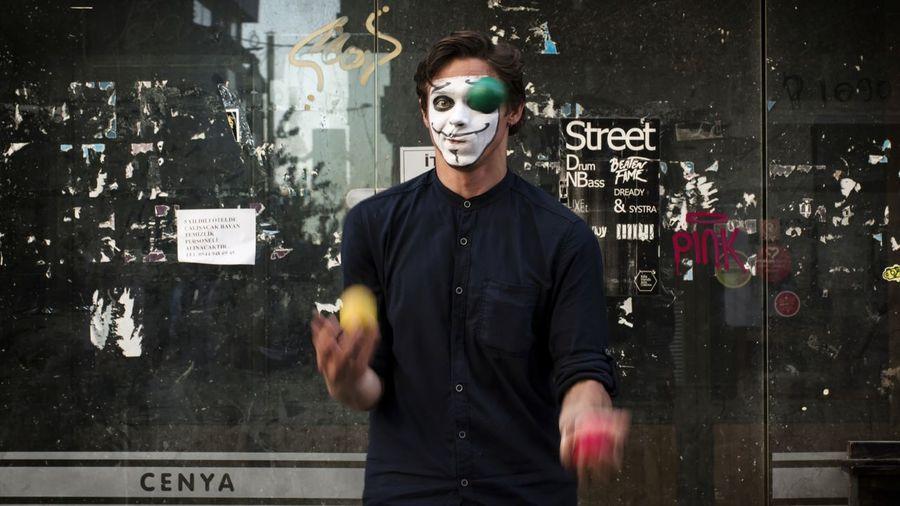 Streetphotography Street Photography EyeEm People Urban Istanbul Blackboard  Men Science Males  Waist Up Street Art Art