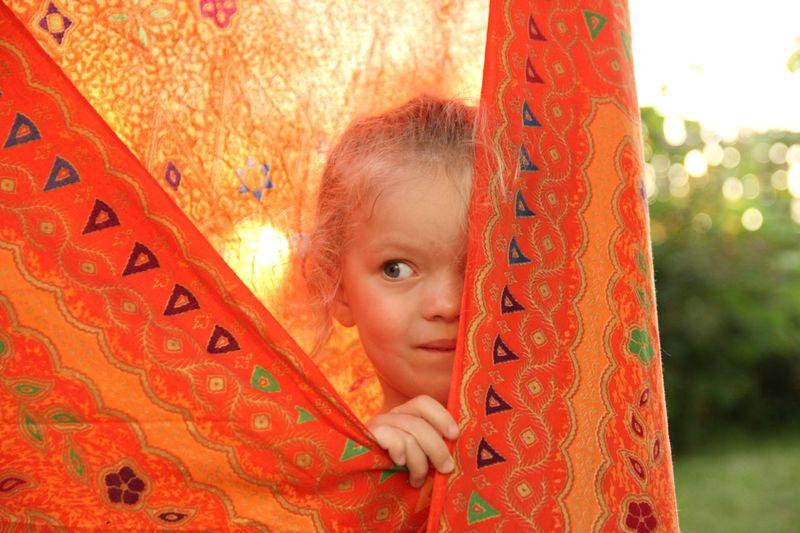 Daddy! Where I'm I? Against Sun Curious Curious Look Hiddden Hide-and-seek Little Girl Orange Scarf Sun