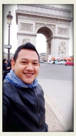 Moi That's Me Arcdetriomf Paris
