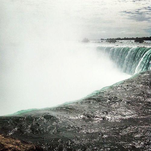 Niagra falls 👏👍🎆🎪🍹Vacation Niagrafalls Canada USA fun
