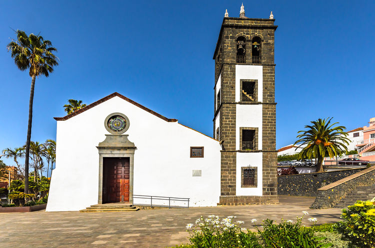 El Sauzal. Pictures from a small village in the north of Tenerife. Canary Islands Church Feliz-Photo SPAIN Architecture Building Exterior Built Structure Clear Sky El Sauzal Foto Fotografia Fotografie Fotography History No People Outdoors Palm Tree Place Of Worship Religion Sky Spirituality Tenerife Teneriffa Travel Destinations Tree