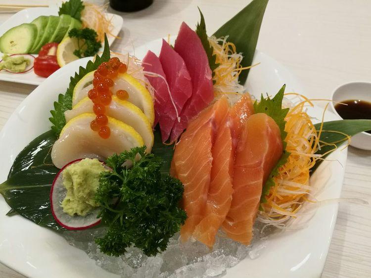 Japanese Food Sashimilovers Salmon Sashimi SalmonLove Shells🐚 Ikura Ikura Caviar Maguro Foodporn Foodphotography Hinaya
