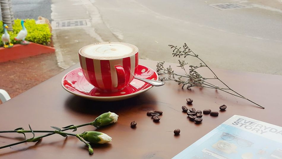 Coffee time Cup Of Coffee Cup Coffee ☕ Coffee Seeds Coffee Seed Flowers Drink Drinking Glass Table High Angle View Red Food And Drink Tea Cup Served