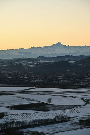 snowed sunset Snowed Landscape Winterscapes Frozen Nature Wintertime Langhe From Above  Panoramic Scenic View Cold Weather Hills At Sunset Winter Sunset Snowed Sunset Sunset Cold Temperature Landscape Mountain Beauty In Nature Outdoors Sky Nature Winter No People Silhouette Snow Tranquility Scenics