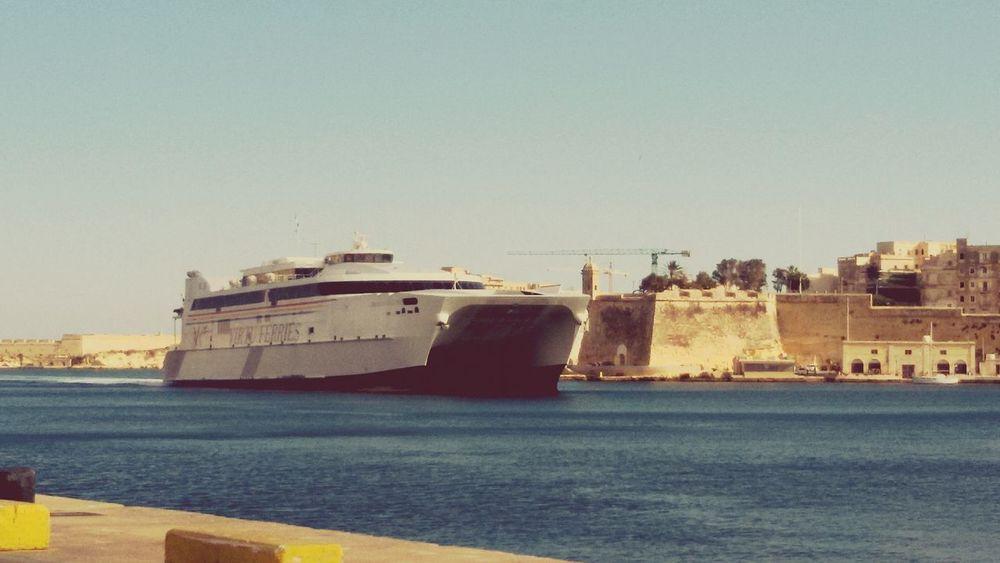 Jeandelavallette arrival grand Harbour Fort Bastions Calm Water MALTA❤