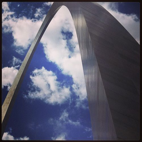 St.Louis Arch...yep there is an elevator all the way to the top!! Joycemeyerlovelifeconference , Joycemeyer , WomenworshippingGod , Timeaway , missmyfamily:)
