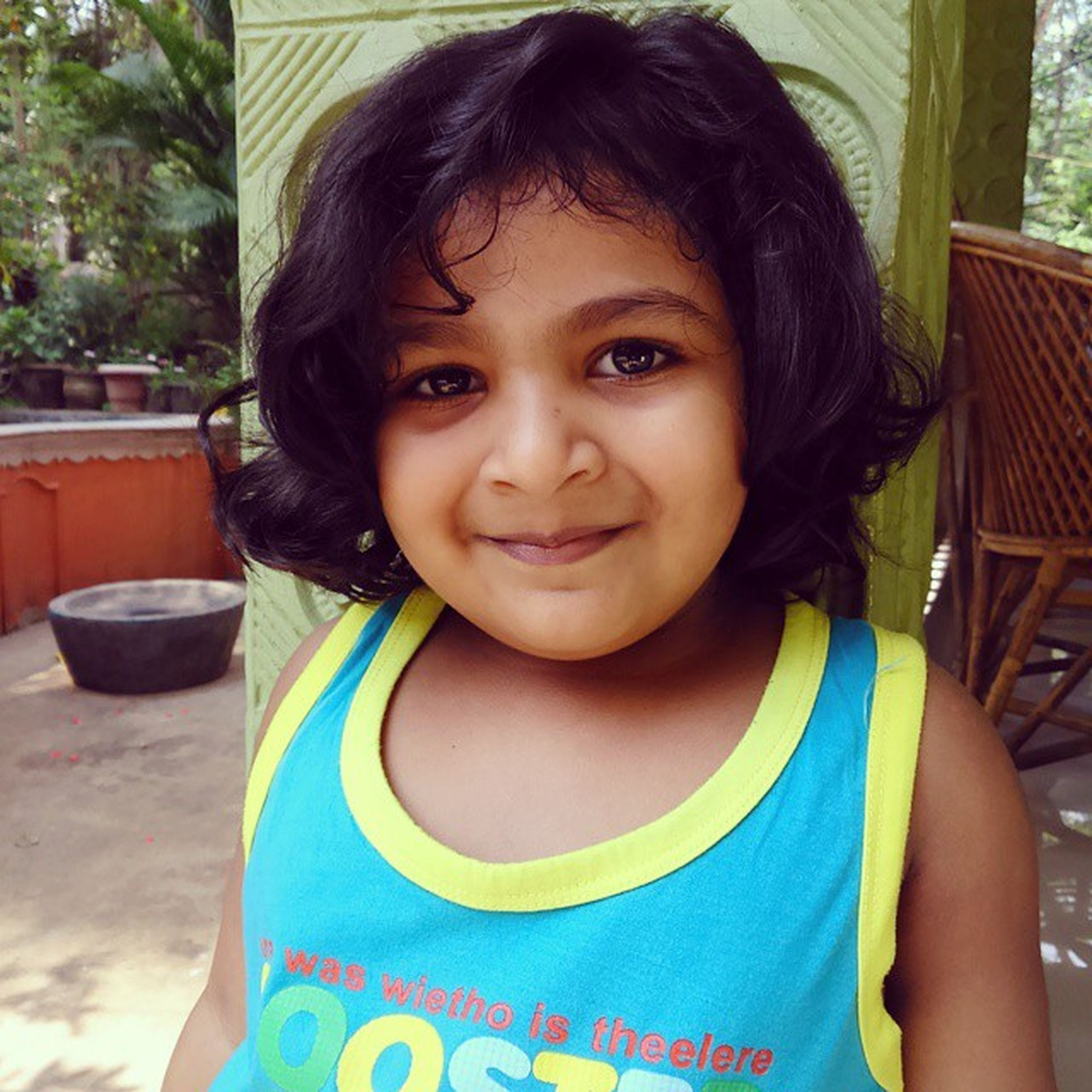 person, portrait, looking at camera, childhood, lifestyles, casual clothing, smiling, elementary age, front view, leisure activity, happiness, cute, girls, waist up, innocence, headshot, boys, toothy smile