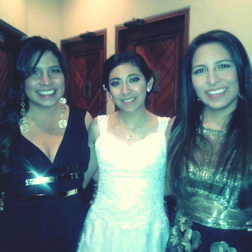 Felices con la PRECIOSA novia. Nuestra Chabi. :')