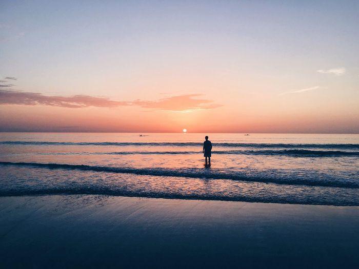 Daytona ShotOnIphone IPhoneography Sunset Beach Beachphotography Waves Ocean Beach Sunset Water Pink Blue EyeEm Best Shots EyeEm Masterclass EyeEm Best Shots - Sunsets + Sunrise