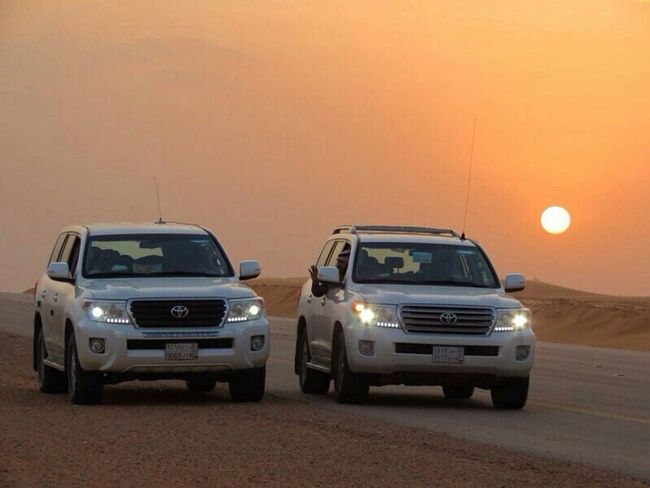 كانت رحلة برية ( كشتة ) رائعة جدا من جميع النواحي فربعي كانوا رائعين و الأجواء كانت منتازة جدا و لأنها رائعة خرجنا منها بصور رائعة و جميلة هذه منها بريدة السعودية  تصويري  تصوير  KSA Car Cars Toyota Landscape Desert