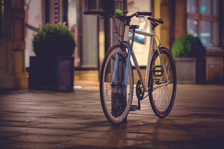 I love my bicycle ... Bicycle Transportation No People Stationary Land Vehicle Architecture Built Structure Focus On Foreground Mode Of Transportation Building Exterior Outdoors Flooring Wheel City Building House Still Life Street Bokeh Hannover Velo Fahrrad EyeEmNewHere SingleSpeed Bike Citylife