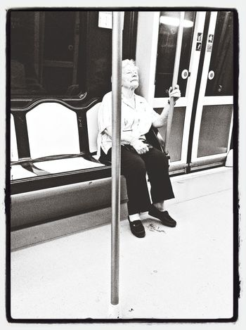 She's the only one Subway Portraits Capa Filter Don't Be Square