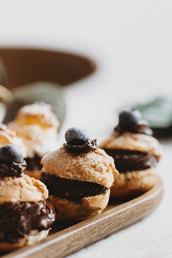 Mini chocolate and blueberries cakes