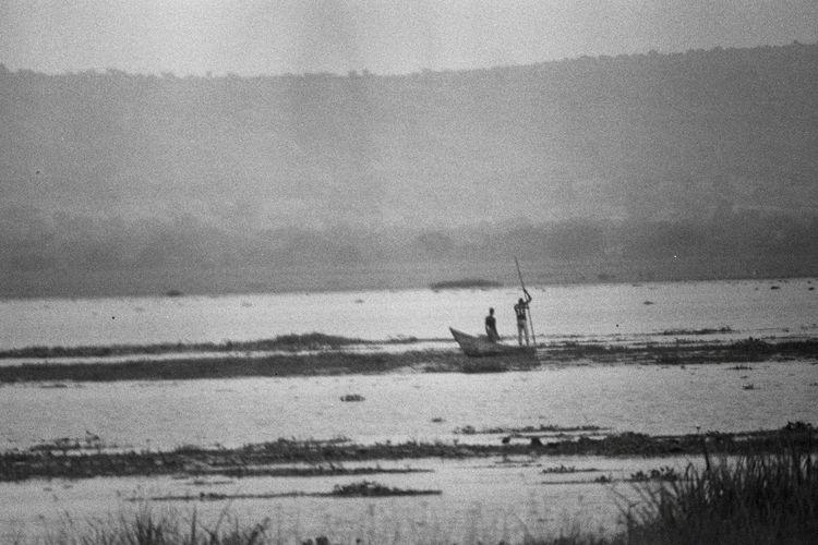 Analogue Photography Film Uganda  Film Photography Fishermen Grainy Ilford Lake Black And White Friday Black And White Friday