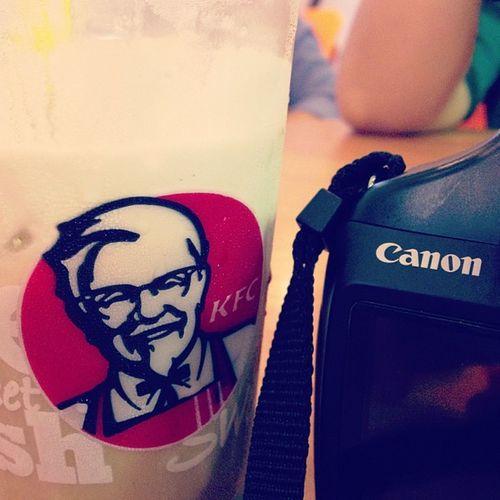 @dwyndhaa @ichurahell MalioboroMall Yogyakarta INDONESIA Id KFC Canonesia Iphonesian Instagram Instamood