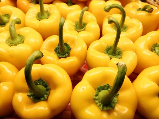 Yellow bell peppers full frame background arrangement Yellow Bell Pepper Yellow Bell Pepper Yellow Vegetable Groceries Fruit Yellow Full Frame Vegetable Healthy Lifestyle Close-up Food And Drink Farmer Market Produce Aisle Refrigerated Section Pepper - Vegetable Shopping Basket Supermarket Market Shopping Cart Aisle Bell Pepper Representing Red Bell Pepper Green Bell Pepper Raw Food Market Stall For Sale Stall Unripe