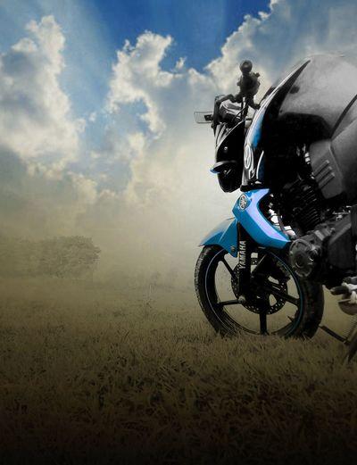 Mh bike !! Yamaha Fzs Life Lucknow EyeEm Best Shots Taking Photos ❤ Amity Bike Bikestagram Love Bike Motorcycle Cloud - Sky Riding Grass Field Outdoors Adult