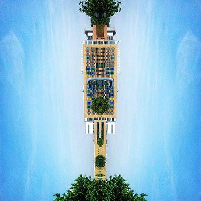 Symmetry Symmetryporn Symmetrybuff Abstracting_architects mirrorgram selondon deptford fordhampark deptfordgreenschool