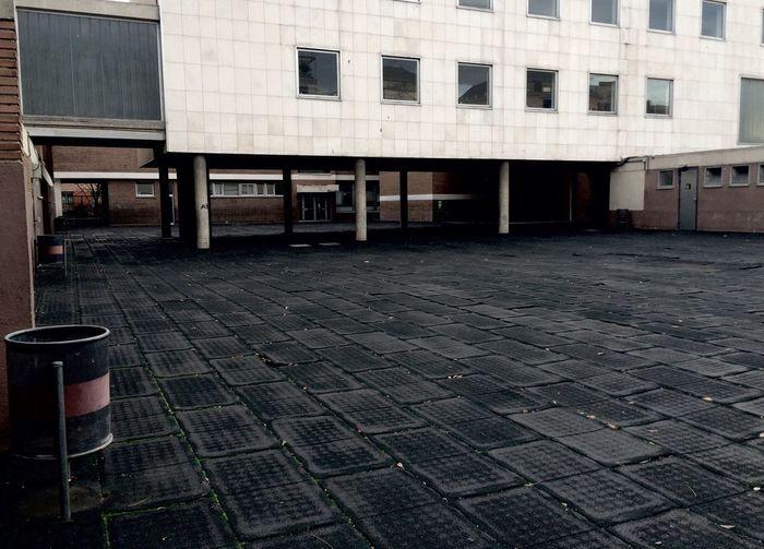 Colegio Vacio Oscuro Oscuridad Sombras en Madrid España SPAIN Madrid, España