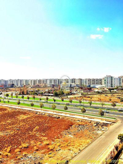 City Building Exterior Sunlight Clear Sky Sky Diyarbakır Architecture Street Amusementpark 🎢🏙 😎