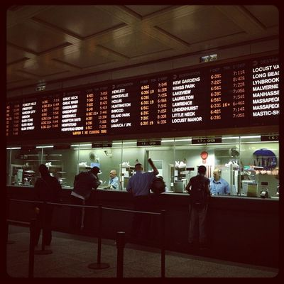 What's my number?... #waitingfortrackplatform #nyc #pennstation #homewardbound #helloweekend Pennstation Helloweekend Homewardbound Waitingfortrackplatform NYC