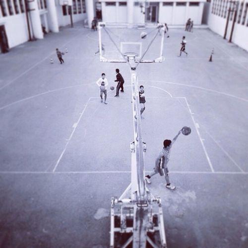 RePicture Travel Hello World Gilgiuglio baskerball Tunis