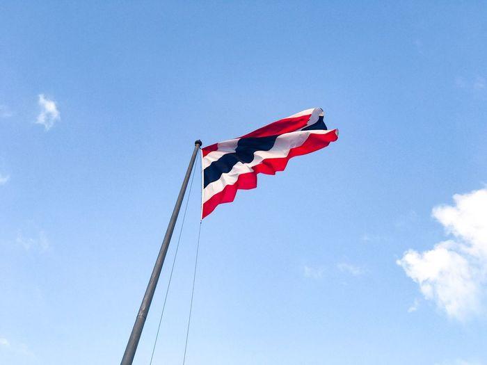 ธงชาติปลิวไสว Flag Sky Blue Outdoors No People Taksina S. Lightroom EyeEm Lightroom Mobile Thailand IPhone7Plus Photo By IPhone7plus Bangkok Cloud - Sky Thailand Photos National Flag